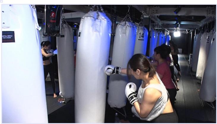 暗闇 ボクシング