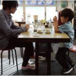 オザケン(小沢健二)「 彗星」のPVに出てくる食堂はどこ?ロケ地を調査!