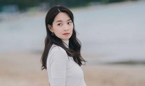 主人公のユン・へジンは、女優のシン・ミナ